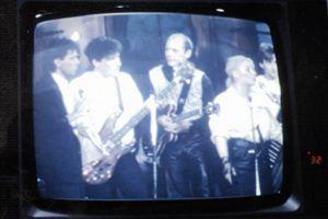 Flaming Bess Fernsehen 1